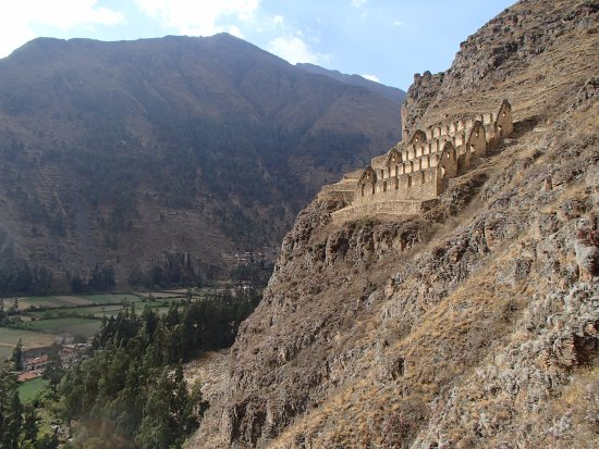 Pinkuylluna Mountain Granaries : Almost there but wind can be quite scary. Just keep going