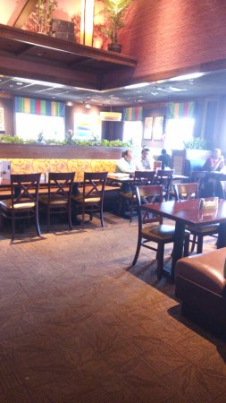 Woodbridge, VA: seating area