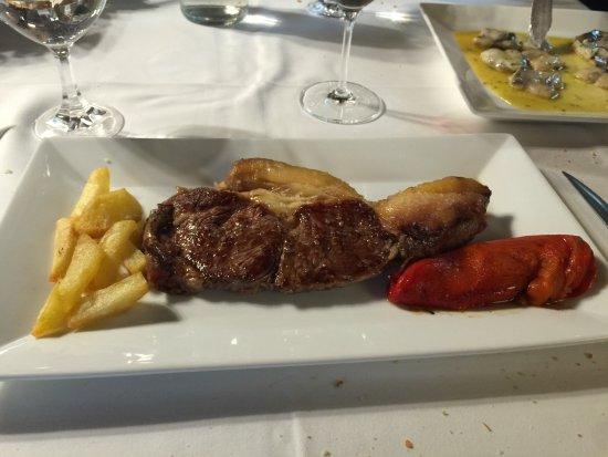 Axpe Achondo, Espanha: solomillo con patatas artesanas deliciosas