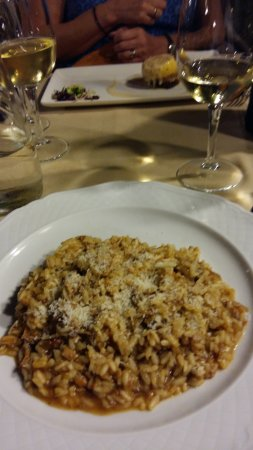 Montecarlo, Italie : Risotto starter was very filling, wife's smaller starter was tasty