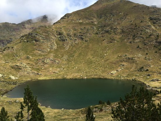 Tristaina Lake Trail: Llac primer