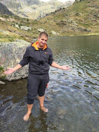 Tristaina Lake Trail: Lago