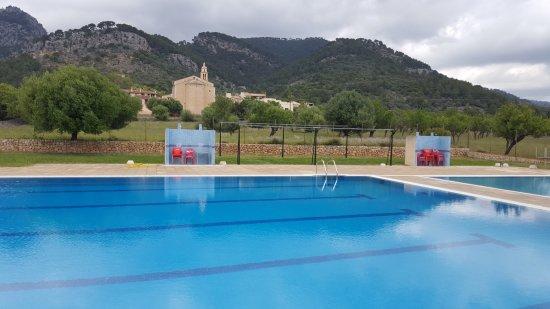 Caimari, España: Piscina pública