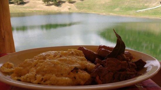 Chamois, Italien: Polenta taragna con salsiccia