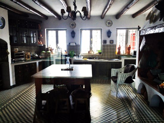 Montemor-o-Novo, Portugal: The kitchen, where the magic is happening