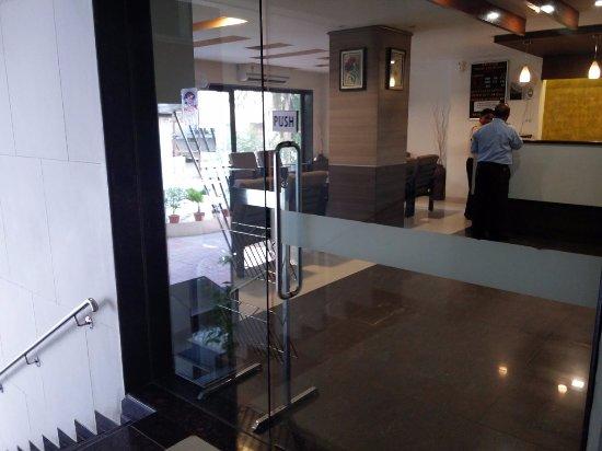 Savshanti Towers: reception area