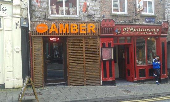 Ennis, Ierland: Lokal z ulicy