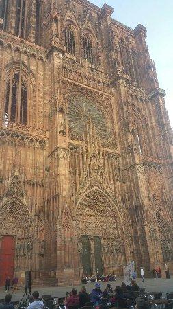 Cathedrale Notre Dame de Strasbourg: 20160922_175100_large.jpg
