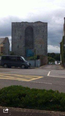 Listowel, Irlanda: Nice to see if passing