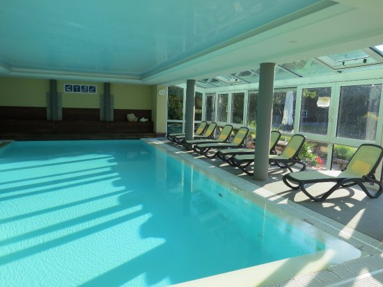 Nice Warm And Clean Swimming Pool Picture Of Hotel Drosson Buellingen Tripadvisor