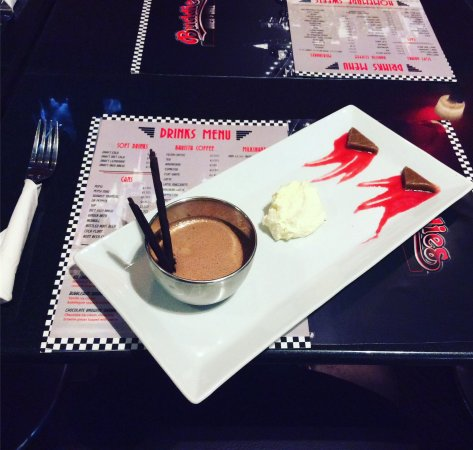Galashiels, UK: Milk chocolate and marshmallow mousse