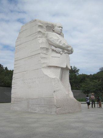 Martin Luther King, Jr. Memorial: estátua de Luther King