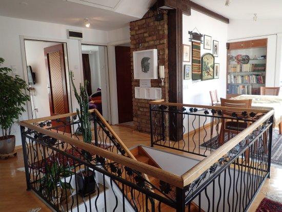 Halvat Guesthouse Bild