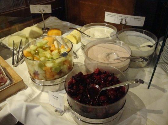 Hotel Erzherzog Rainer: Buffet de café da manhã