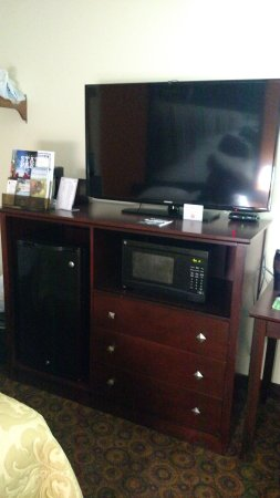 "Super 8 Emporia: Huge 46"" TV. Micro/Fridge combo"