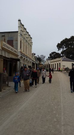 Sovereign Hill: Main St