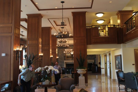 The Inn on Biltmore Estate: Hotel Lobby