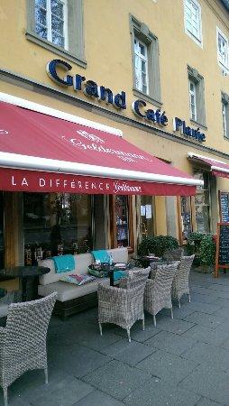 1d9b2d16ace84f Schön zum draußen Sitzen und Essen - Grand Café Planie