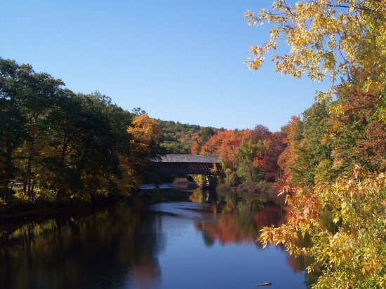 Henniker, NH : A short walk to this beautiful covered bridge