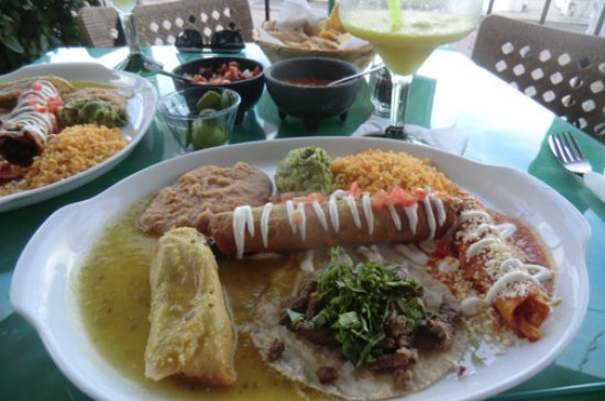 Victor's Place Cafe Tacuba: Combo plate No. 3 - delicious