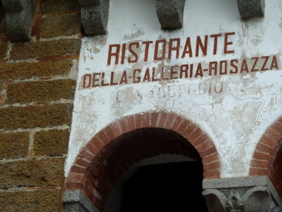 San Paolo Cervo, Italie : Particolare facciata laterale