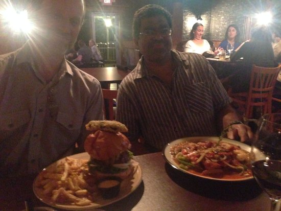 Bradford West Gwillimbury, Kanada: Marc with Brisket Burger, Aaron with Jambalaya!