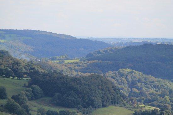 Matlock Bath, UK: The rolling hills.