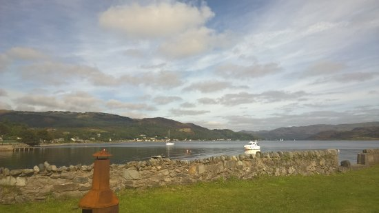 Tighnabruaich, UK: Kyles of Bute from Kames