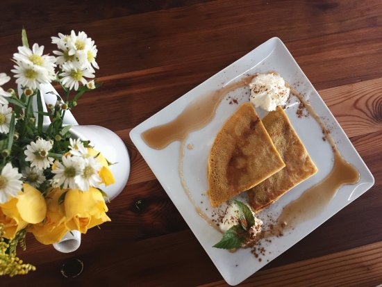 Alpine, TX: Crepes on the weekends & a plethora of drinks