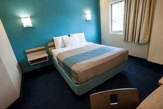 Motel 6 Niagara Falls Photo