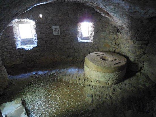 Saint-Maurice-Navacelles, France : moulin restauré