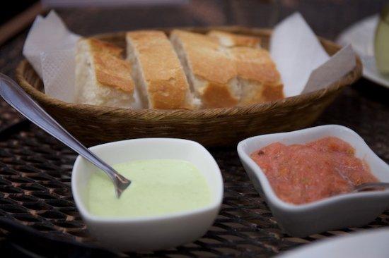 La Posada Restaurant: Bread with Salsas
