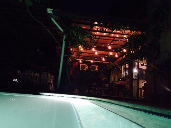 Morrison Hotel de la Escalon: night view from poolside