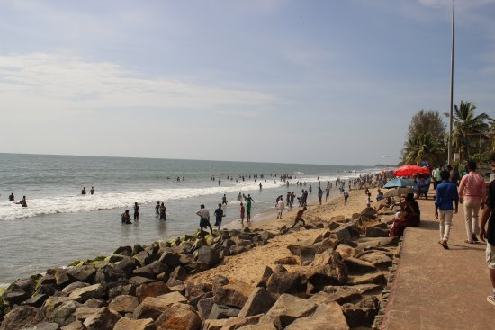Cherai Beach : Where the sea meets the rocks