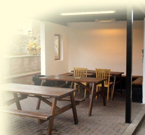 Ellon, UK: Smoking Shelter