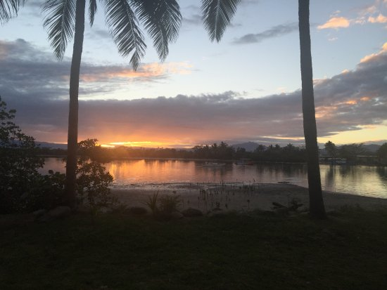 Sonaisali Island, Fiji: sunrise at Double Tree