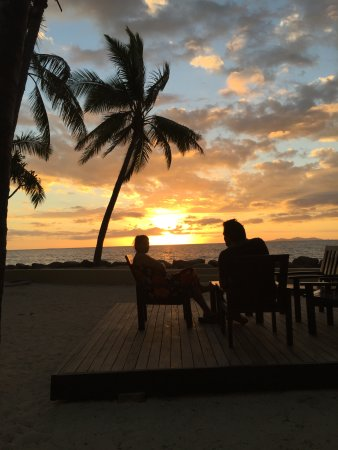 Sonaisali Island, Fiji: Sunset at Double Tree