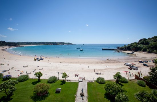 image link to trip advisor St Brelades Bay page
