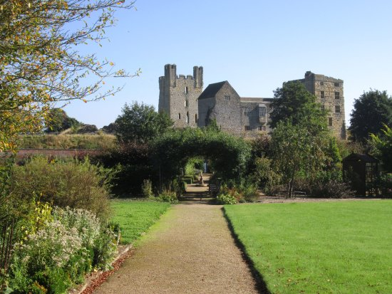 Helmsley Walled Garden and Castle