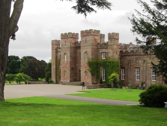 Perth, UK : Blick auf den Eingang des Schlosses