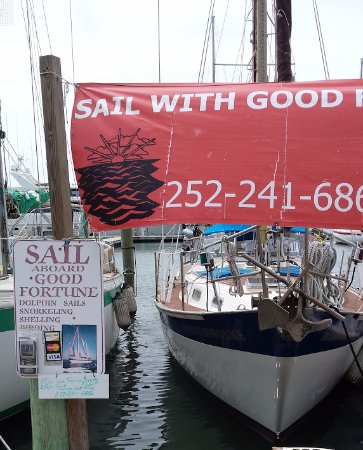 "Beaufort, Carolina del Norte: The sailboat ""Good Fortune"" at the dock."