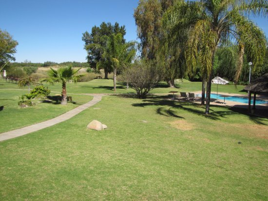 Upington, Sudafrica: One of two sparkling swimming pools