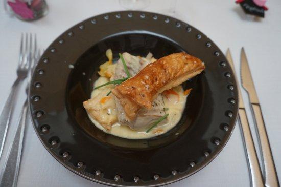 Change, France: poisson et ses légumes