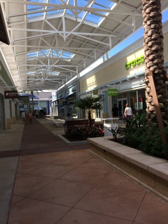 Lutz, FL: outlet