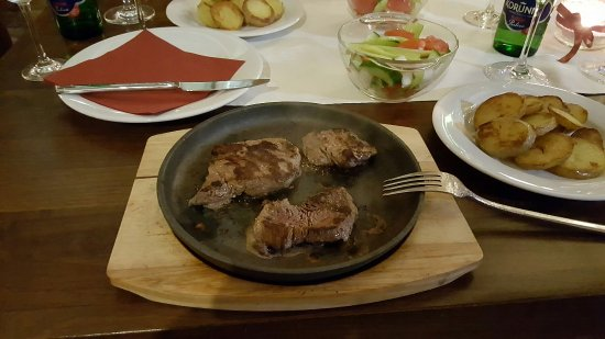 Lucenec, Σλοβακία: 20160923_184249_large.jpg