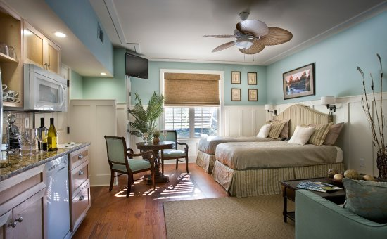 The Inlet Sports Lodge: Deluxe Studio with Twin Beds