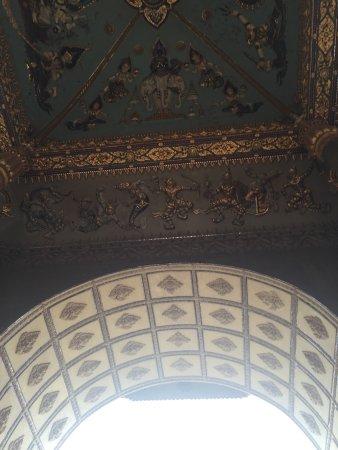 Patou Xai (Patu Say): Триумфальная арка Патусай