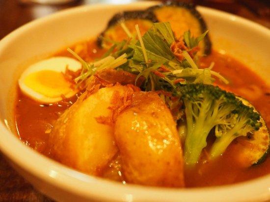 Okushiba Shoten Hachioji Tashiro Castle: チキンスープとメイン具材「大地の恵み野菜」