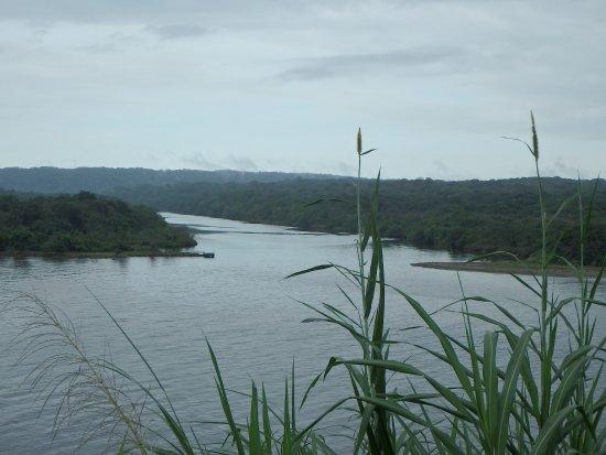 Rivière et baie du fort San Lorenzo