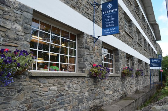 Trefriw, UK: Front of the building.